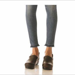 Dansko Black leather clogs, perfect work shoes 39W
